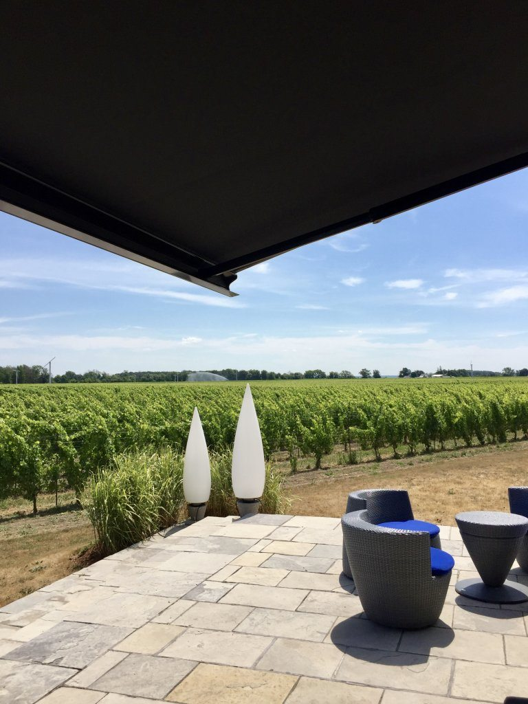 Stratus-Vineyards-Patio