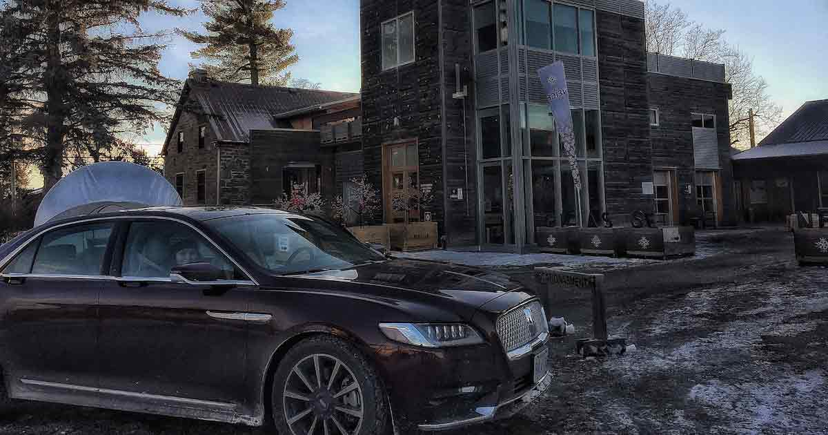 Lincoln Continental-au-Domaine Neige