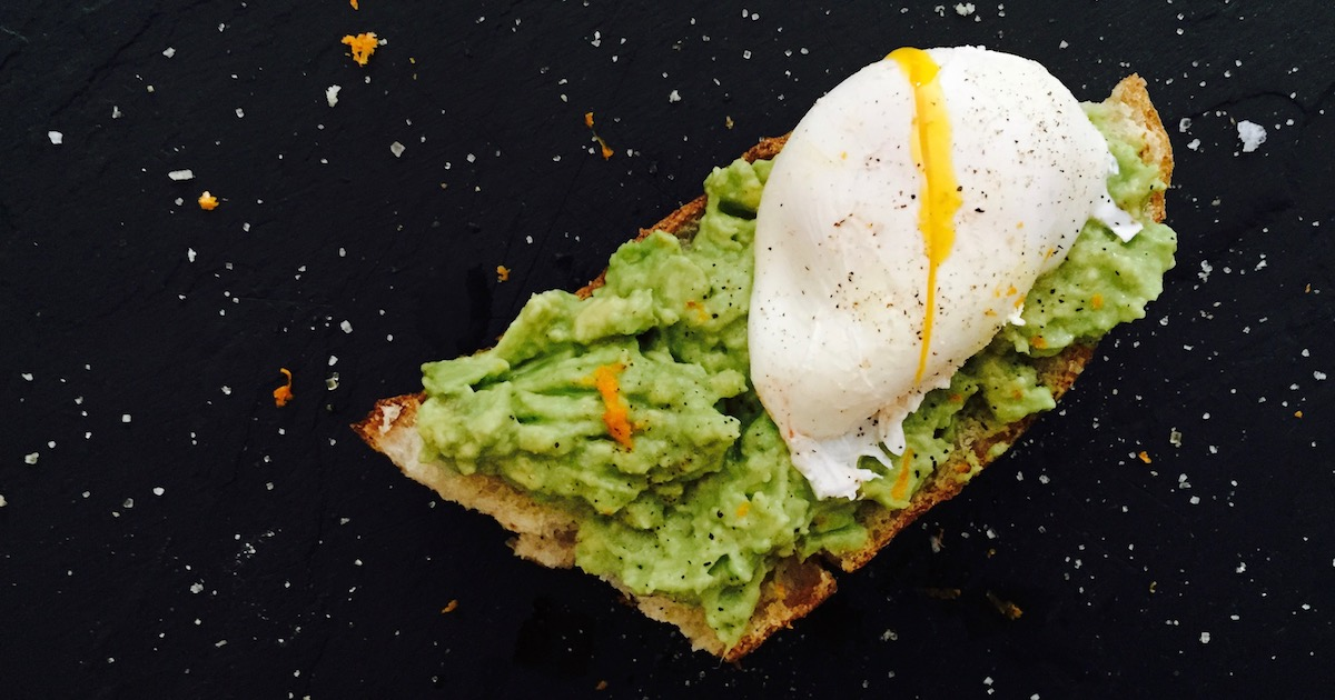 5 variations on the Avocado Toast to celebrate Cinco de Mayo!