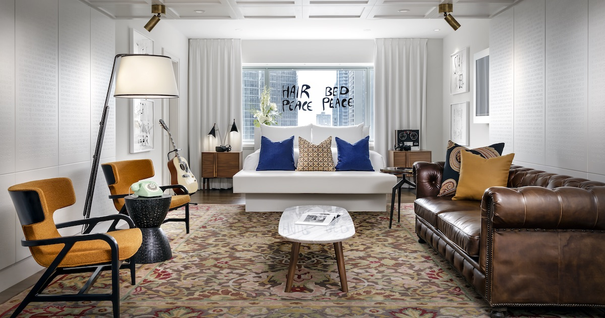 The John Lennon and Yoko Ono Suite of Fairmont The Queen Elizabeth - Room / Living room