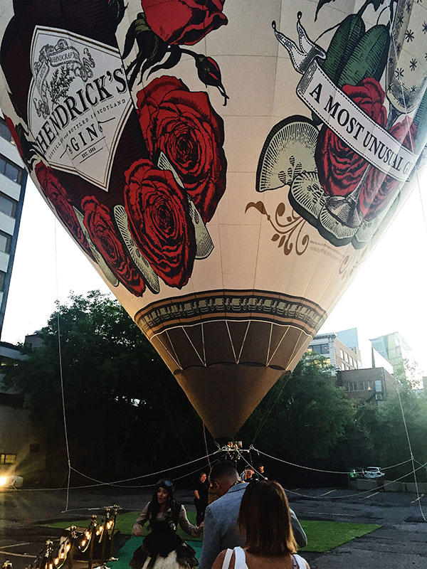 Fly Over Montreal with Gin Hendricks - Balloon Day