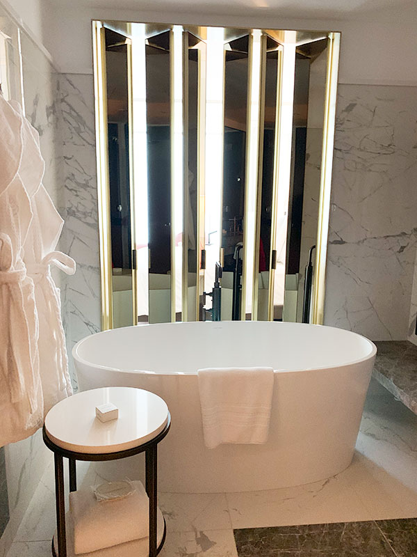 The Four Seasons Hotel Montreal - Bath