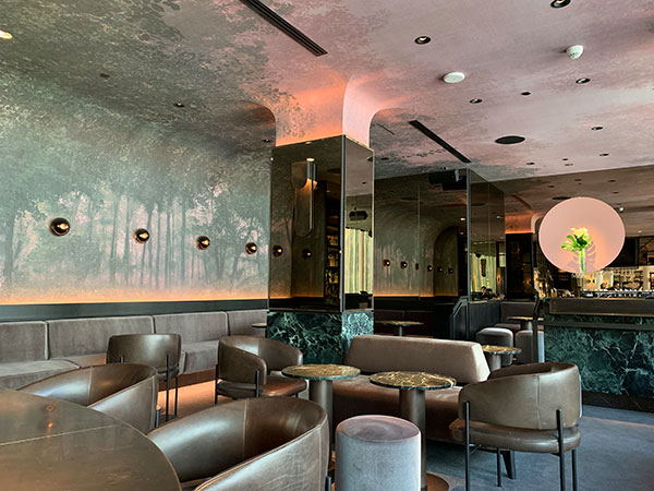The Four Seasons Hotel Montreal - Night Bar