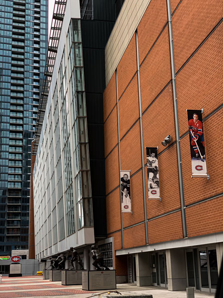 Ford Edge and the history of hockey in Montreal- Bell Centre - Maurice Richard Credit: Normand Boulanger | RDPMAG